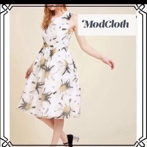 EUC MODCLOTH FLORAL DRESS 4X